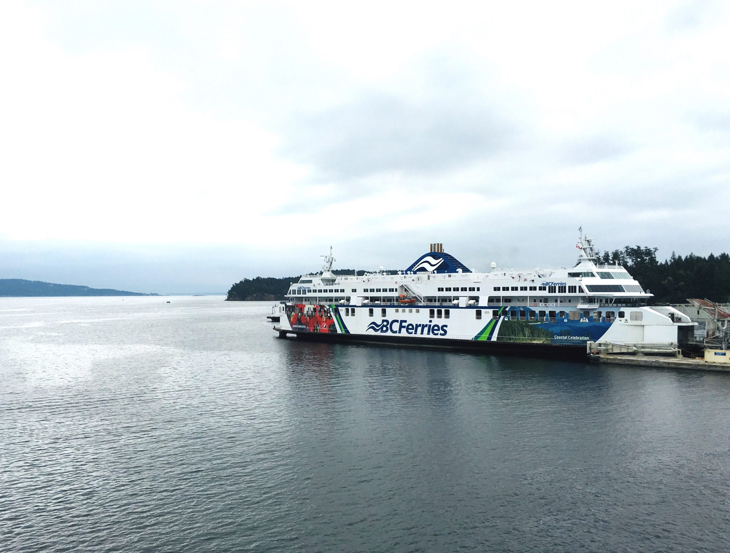 BC Ferries suspends service on some routes over COVID-19 pandemic